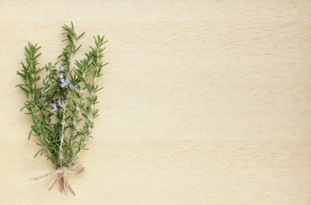 ローズマリー葉 油 エッセンシャル 原料のイメージ図